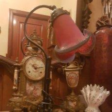 Antigüedades: LAMPARA DE SOBREMESA SELLADA ART FRACES. Lote 236076190