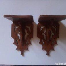 Antigüedades: PAREJA DE PEQUEÑAS MENSULAS DE MADERA. Lote 236082115