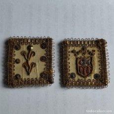 Antiguidades: ESCAPULARIO BORDADO A MANO CON HILO DE ORO XIX. Lote 236081205