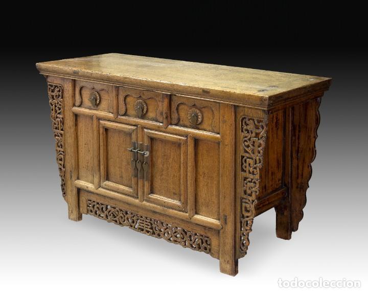 Antigüedades: Consola oriental. Madera tallada, metal. Hacia principios del siglo XX. - Foto 2 - 236094405