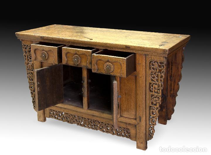 Antigüedades: Consola oriental. Madera tallada, metal. Hacia principios del siglo XX. - Foto 3 - 236094405