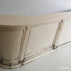 Antiguidades: MONUMENTAL MOSTRADOR (3.75 M LARGO) PINO MACIZO PINTADO DE TIENDA TEXTILES FINALES S XIX SALAMANCA. Lote 236127070