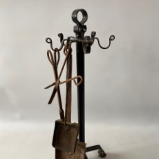 Antigüedades: JUEGO SET UTENSILIOS CHIMENEA EN FORJA.. Lote 236141155