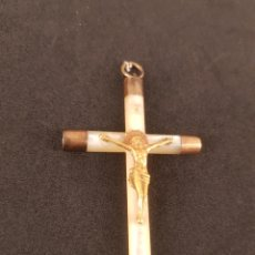 Antigüedades: CRUZ CRISTO EN NÁCAR. Lote 236180560
