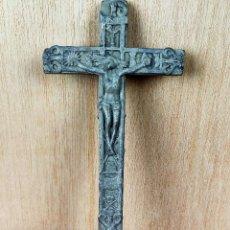 Antigüedades: CRUZ CRISTO CRUCIFICADO EN MADERA. Lote 236190675
