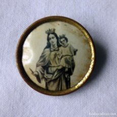Antiguidades: ALFILER CON LA IMAGEN DE LA VIRGEN DEL CARMEN. Lote 236239680
