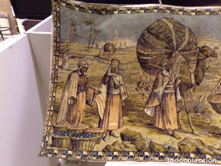 Antigüedades: precioso antiguo tapiz escena arabe - Foto 2 - 236386780
