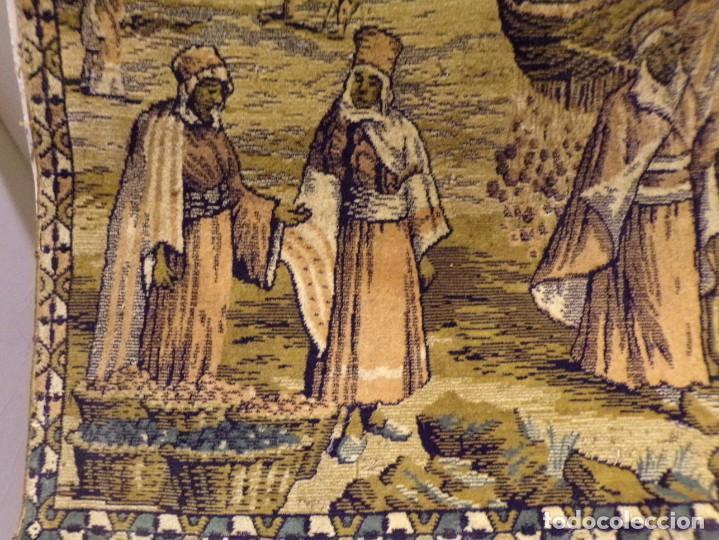 Antigüedades: precioso antiguo tapiz escena arabe - Foto 3 - 236386780