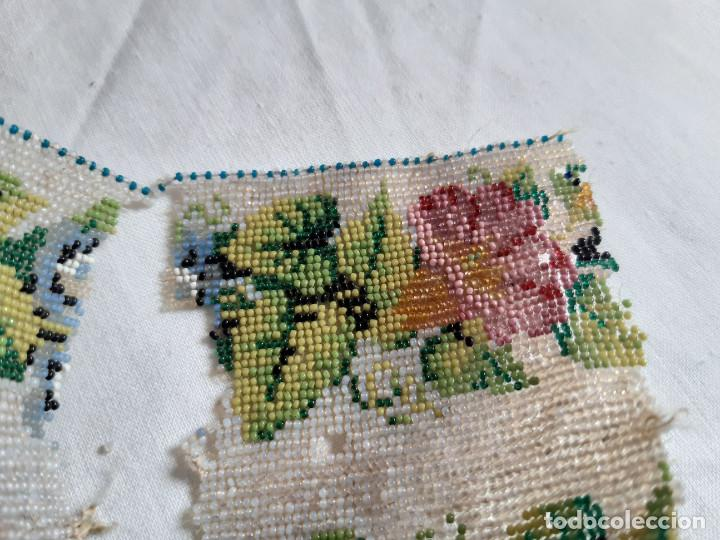 Antigüedades: Restos de un bolso hecho con cuentas diminutas. S XIX. - Foto 2 - 236408370