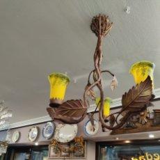 Antigüedades: LAMPARA DE FORJA CON TULIPAS CRISTAL ESTILO 1900. Lote 236410900