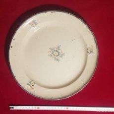 Antigüedades: GRAN PLATO DE ALCORA. Lote 236445970
