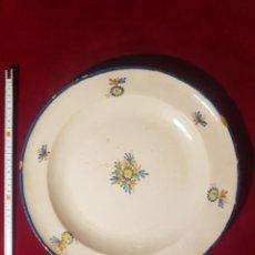 Antigüedades: GRAN PLATO DE ALCORA. Lote 236446725