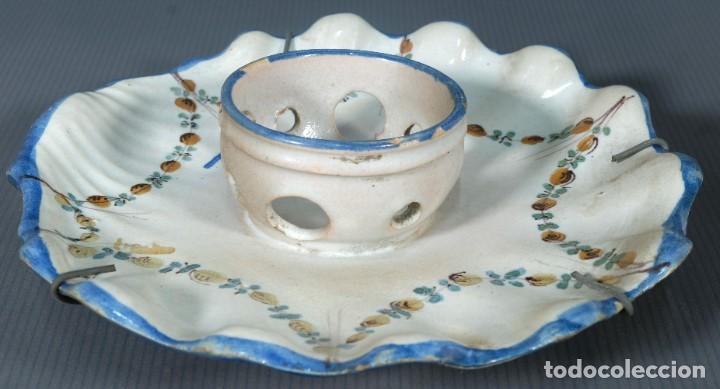 MANCERINA EN LOZA DE ALCORA DECORADO CON FRUTAS SIGLO XVIII (Antigüedades - Porcelanas y Cerámicas - Alcora)