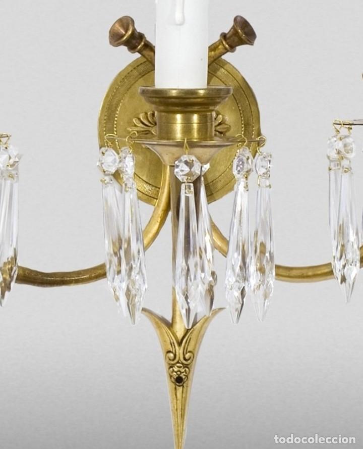 Antigüedades: Pareja de apliques. Bronce , vidrio. Estilo Imperio, Francia, hacia 1900. - Foto 5 - 236507215
