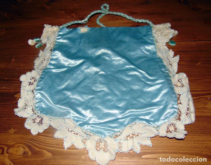Antigüedades: Antiguo y elaborado bolso en seda , bordados y puntillas, finales del XIX. 45 X 40.w - Foto 3 - 236520305