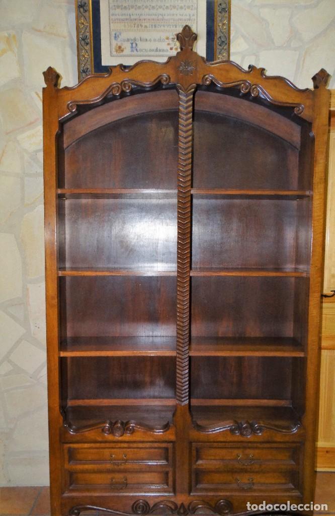 LIBRERÍA O PLATERO DE MADERA ROBLE MUY FINA. 4 CAJONES CON HERRAJES DE BRONCE. 3 BALDAS (Antigüedades - Muebles Antiguos - Vitrinas Antiguos)