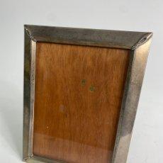 Antigüedades: MARCO DE PLATA CON CRISTAL. MEDIADOS S.XX.. Lote 236548015
