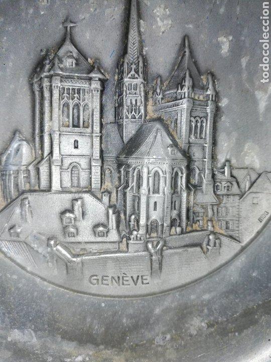 Antigüedades: Antiguo plato bajo relieve de GÉNOVA... METAL.. CREO QUE DE ZINC.. - Foto 2 - 236572730