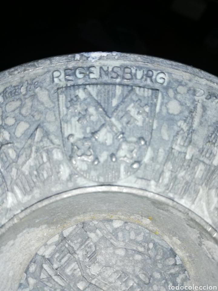 Antigüedades: Antiguo Plato de zinc tallado y con escudos regiones Alemánas - Foto 5 - 236573675