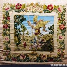 Antigüedades: GRAN BORDADO Y PINTURA SOBRE SEDA S. XIX. REPRESENTACION DE SAN MIGUEL.. Lote 236633740