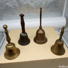 Antigüedades: LOTE 4 CAMPANITAS ANTIGUAS DE BRONCE. Lote 236646470