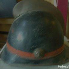Antigüedades: SENSACIONAL CASCO BOMBERO PRINCIPIOS SIGLO PASADO. Lote 113774223
