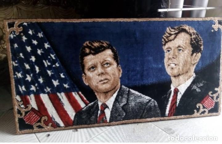 TAPIZ GRANDE.HERMANOS KENNEDY..ESTADOS UNIDOS DE AMÉRICA..USA. (Antigüedades - Hogar y Decoración - Tapices Antiguos)
