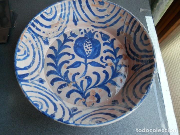 GRAN FUENTE O LEBRILLO DE CERÁMICA DE FAJALAUZA MUY ANTIGUA S. XIX GRANADA - 30 X 9 CENTÍMETROS (Antigüedades - Porcelanas y Cerámicas - Fajalauza)