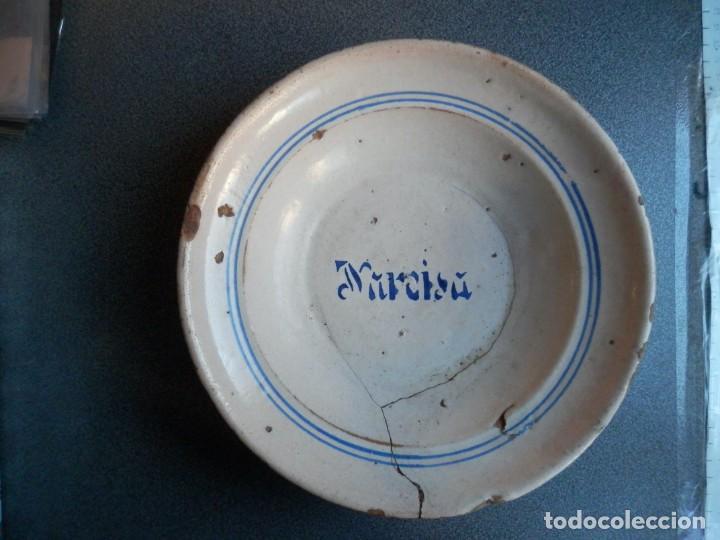 PLATO GRANDE DE MUEL ZARAGOZA SIGLO XIX ESTAMPILLADO NOMBRE MARISA 24 X 6 CENTÍMETROS (Antigüedades - Porcelanas y Cerámicas - Otras)