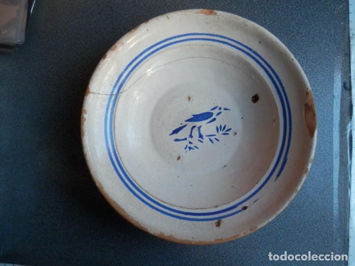PLATO GRANDE DE MUEL ZARAGOZA SIGLO XIX ESTAMPILLADO PÁJARO RARO MOTIVO 23 X 6 CENTÍMETROS (Antigüedades - Porcelanas y Cerámicas - Otras)