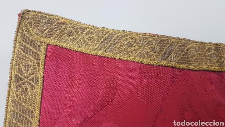 Antigüedades: Bonito manípulo confeccionado en seda de color rojo. Trabajo realizado hacia 1900. - Foto 4 - 236811975