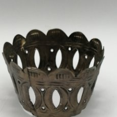Antigüedades: CORONA VIRGEN. LATÓN PLATEADO. Lote 236837945