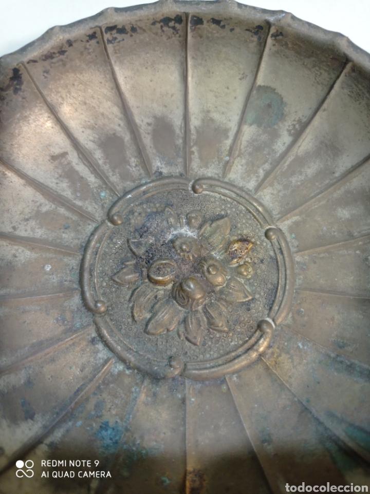Antigüedades: Pequeña bandeja de latón, platillo, plato. - Foto 2 - 236847855