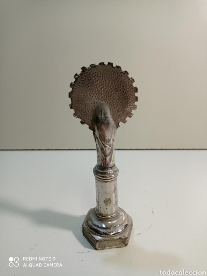 Antigüedades: Pequeña figura escultura de metal de nuestra señora del Pilar. - Foto 3 - 236847940