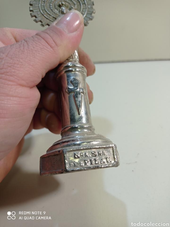 Antigüedades: Pequeña figura escultura de metal de nuestra señora del Pilar. - Foto 8 - 236847940
