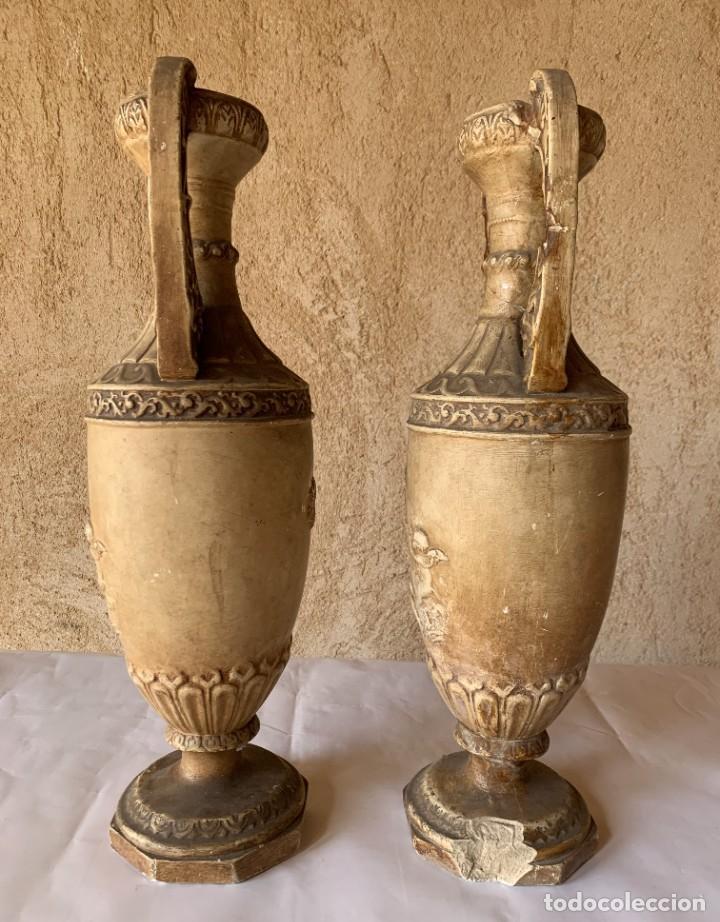 Antigüedades: PAREJA DE JARRONES ANTIGUOS DE ESTUCO . VIRGEN DEL PILAR . CERAMICA ARAGONESA . ZARAGOZA . - Foto 2 - 236911930