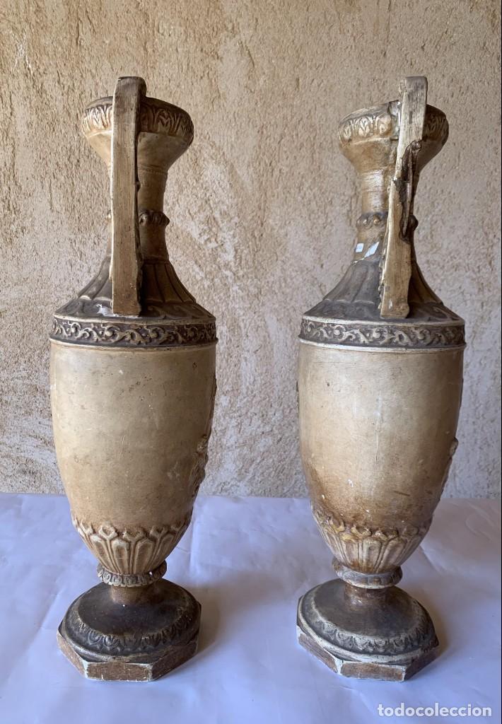 Antigüedades: PAREJA DE JARRONES ANTIGUOS DE ESTUCO . VIRGEN DEL PILAR . CERAMICA ARAGONESA . ZARAGOZA . - Foto 4 - 236911930