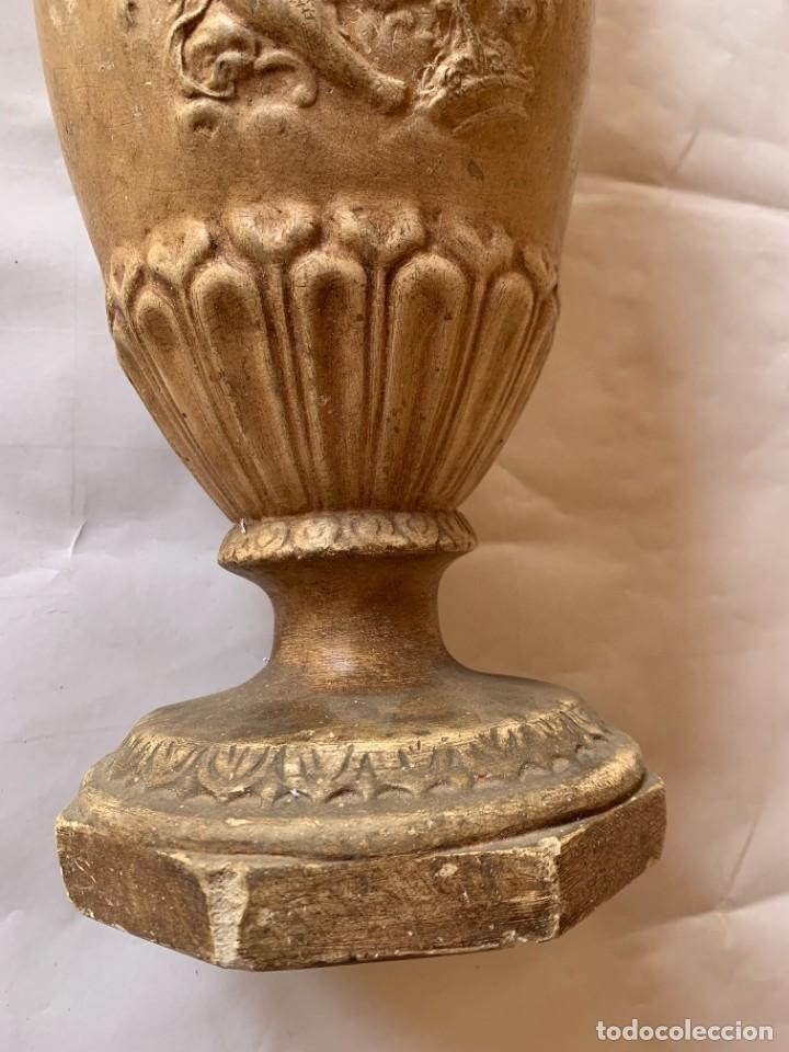 Antigüedades: PAREJA DE JARRONES ANTIGUOS DE ESTUCO . VIRGEN DEL PILAR . CERAMICA ARAGONESA . ZARAGOZA . - Foto 7 - 236911930