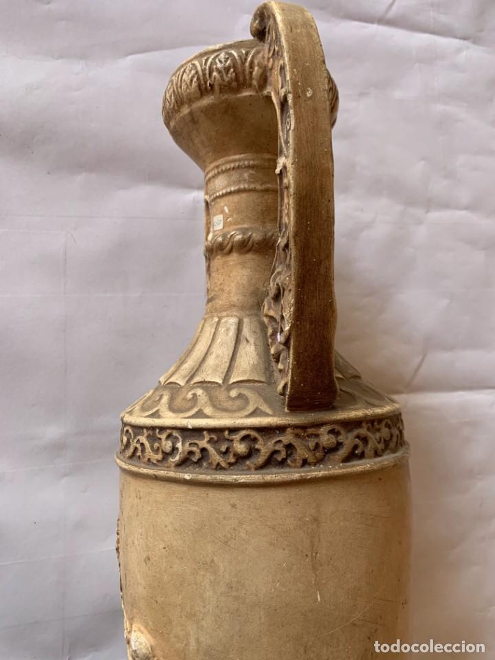 Antigüedades: PAREJA DE JARRONES ANTIGUOS DE ESTUCO . VIRGEN DEL PILAR . CERAMICA ARAGONESA . ZARAGOZA . - Foto 8 - 236911930