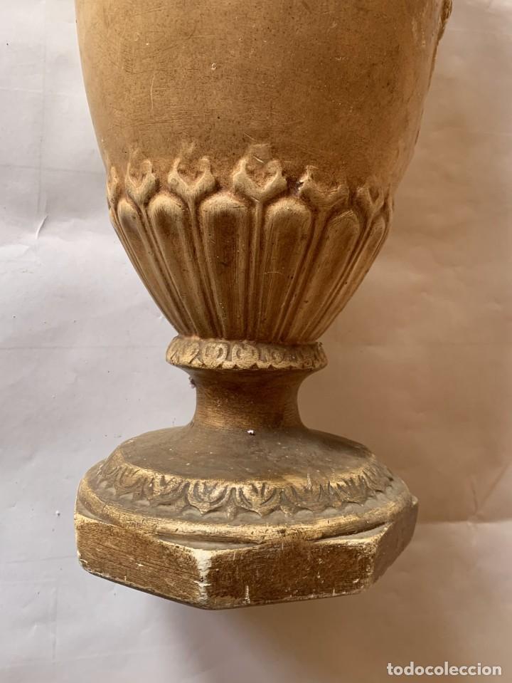 Antigüedades: PAREJA DE JARRONES ANTIGUOS DE ESTUCO . VIRGEN DEL PILAR . CERAMICA ARAGONESA . ZARAGOZA . - Foto 13 - 236911930