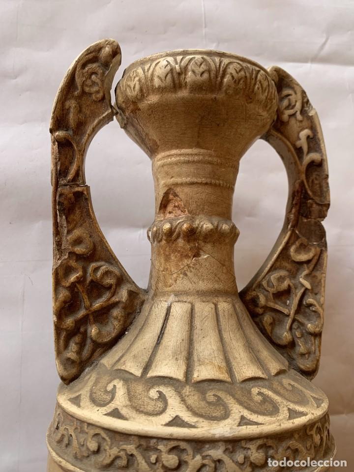 Antigüedades: PAREJA DE JARRONES ANTIGUOS DE ESTUCO . VIRGEN DEL PILAR . CERAMICA ARAGONESA . ZARAGOZA . - Foto 16 - 236911930