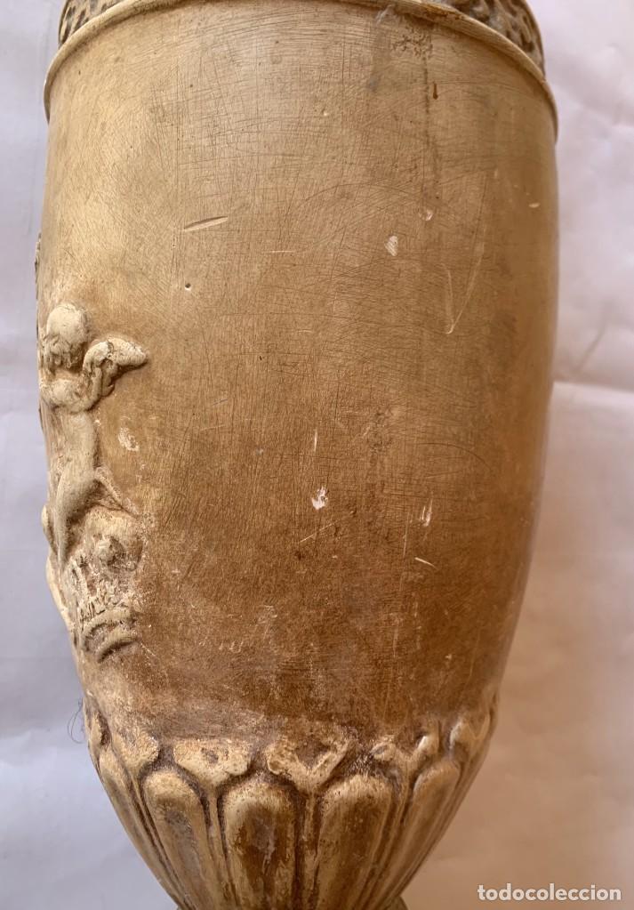 Antigüedades: PAREJA DE JARRONES ANTIGUOS DE ESTUCO . VIRGEN DEL PILAR . CERAMICA ARAGONESA . ZARAGOZA . - Foto 20 - 236911930