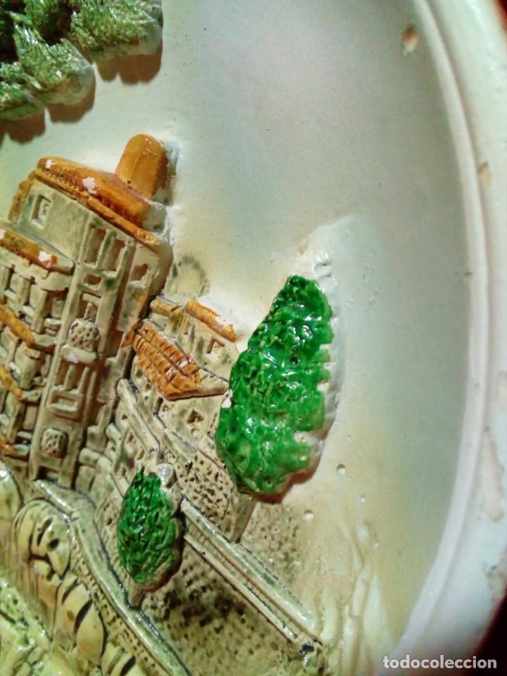 Antigüedades: bonito plato de ceramica con relieve-recuerdo de Cuenca - Foto 3 - 236927435
