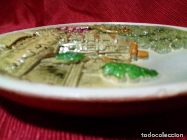 Antigüedades: bonito plato de ceramica con relieve-recuerdo de Cuenca - Foto 5 - 236927435
