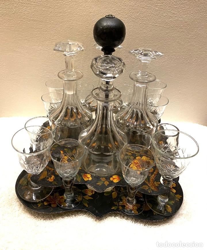Antigüedades: Maravillosa licorera isabelina con 12 copas de cristal antiguas, siglo XIX, 25 x 25 x 30 , ideal - Foto 2 - 236976635
