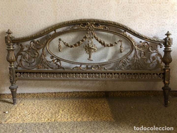 Antigüedades: Cabecero y pie de cama antiguo bronce y cristal - Foto 5 - 236985960