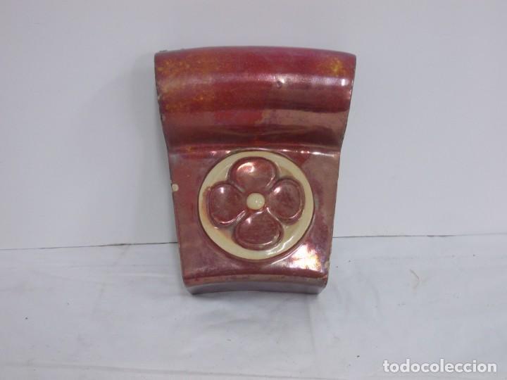MARAVILLOSA CLAVE DE ARCO PIEZA ARQUITECTONICA MODERNISTA CATALANA EN CERAMICA DE REFLEJO (Antigüedades - Porcelanas y Cerámicas - Catalana)