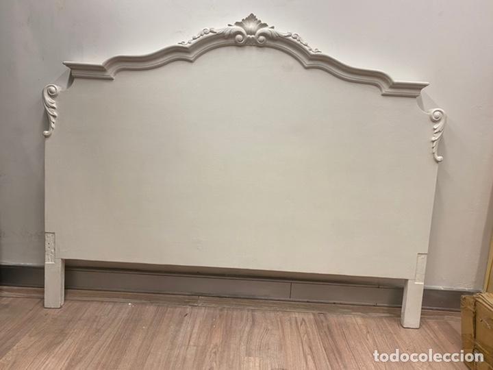 Antigüedades: Dormitorio de madera de cerezo pintado en blanco - Foto 6 - 236931515