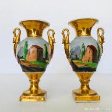 Antigüedades: PEQUEÑA PAREJA DE JARRONES VIEJO PARIS. SIGLO XIX.. Lote 237174385