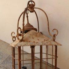 Antigüedades: ANTIGUA LAMPARA DE TECHO FAROL EN HIERRO DE FORJA. Lote 237251835